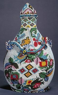 Corning Museum Of Glass, Glass Museum, Beaded Boxes, Beaded Purses, Kalash Decoration, Bead Bottle, Native American Beadwork, Beaded Ornaments, Blue Beads