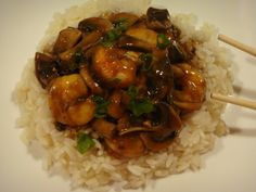 Oriental Flavours tonight: Chinese-style Shrimp and Mushroom in green seasonings and ginger sauce, served on Rice