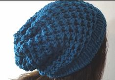 In this video you will learn toloom knit a slouchy beanie hat to go with the loom knitted cable scarf(link to the scarf tutorial) theTuteate Team taught you how to use your long loom to knit. W...