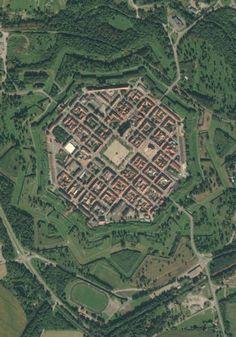 Neuf-Brisach, nouvelle ville fortifiée : Ces 15 villes ont été créées de toutes pièces, découvrez leur histoire étonnante - Linternaute