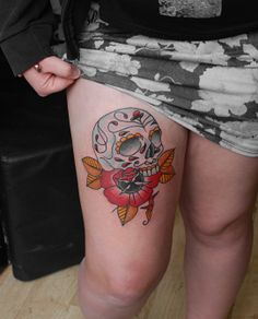 Mexican influenced sugar skull thigh piece from the other day #sugarskull #skull #traditionaltattoo #newtraditional #neotraditional #tattoos #ink #rose #london