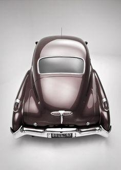 car-hire-uk.com Complaints:- A rear end view of a gorgeous 1949 Buick Roadmaster Dynaflow. #vintage #cars #1940s http://www.car-hire-uk-complaints.com/