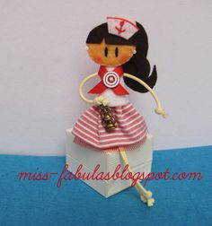 Broche muñeca exclusiva Fabulita Marinera hecha a en fieltro Exclusive Doll  Sailor brooch felt hand made