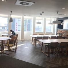 Our tenants love our communal area. They say it's the perfect place to work, eat and play #CityTower #Manchester #ManchesterPiccadilly #PiccadillyGardens #Coworking #ServicedOffice #OfficeSpaceManchester #ServicedOffices #OfficeSpace