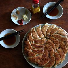 Gyoza HOSHIKO, asian inspired, asian cuisine, potstickers, cook them all at once. food, meal or appetizer