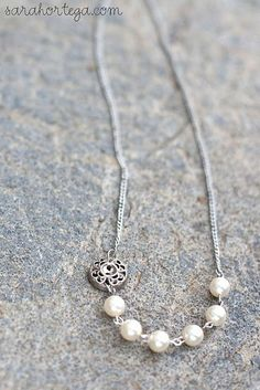 Love this, so pretty and simple. Plus, easy to make and I still have so many pearls left over!