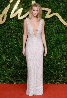 Rosie Huntington-Whiteley aux British Fashion Awards 2015