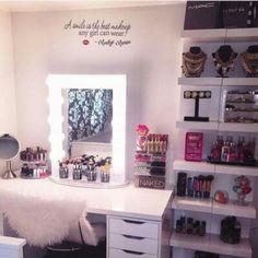 makeup room idea