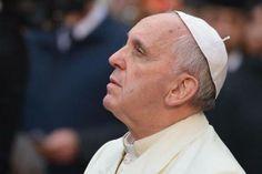Pape François - Pope Francis - Papa Francesco - Papa Francisco - 8 déc 2013 :  acte de vénération à la Madonna della Piazza di Spagna, Roma