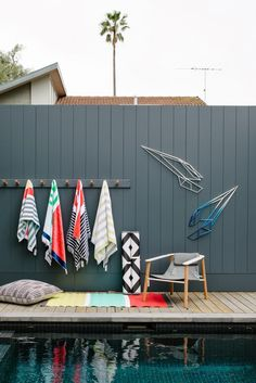 Gray Fencing – The Design Files Open House – Melbourne - pool towel Towel Rack Pool, Pool Towels, Towel Racks, Towel Hanger, Living Pool, Outdoor Living, Pool Storage, Beach Towel Storage, Storage Hooks