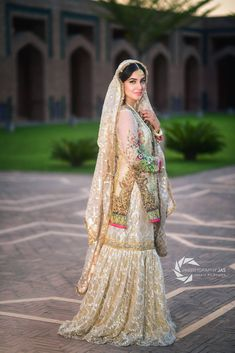 Pakistani Wedding Outfits, Wedding Dresses For Girls, Pakistani Wedding Dresses, Pakistani Dress Design, Bridal Outfits, Pakistani Gharara, Pakistani Culture, Walima, Sharara