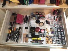 "33 Likes, 10 Comments - Personalize.AM (@personalize.am) on Instagram: ""Porta maquiagem pra gaveta em acrílico. #PersonalizeAM #Manaus #Amazonas #acrílico #acrylic…"""