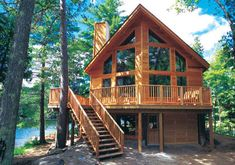 La tipica casa de madera en los frondosos bosques americanos es como extraida de un cuento de hadas