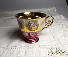 Hard to find MINT 20s/30s DW Carlsbad- Karlsbader Wertarbeit Manufaktur - Germany- Dieux Carlsbad- Josef Kuba -FRAGONARD courting scenes china tea/ coffee cup with a GOLD LEAF interior. Vintage German porcelain footed cup in  RUBY / MAROON / MAUVE with curled gilded ear. The ideal replacement / spare collectible cup by SoVintastic, €11