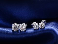 Cosmos Synthetic Diamond Earrings At Sgd 79 90 Simple But Clic Design Http
