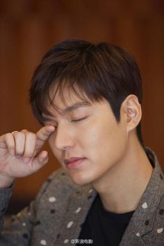 Lee Min Ho reveals his thoughts on military service and his new movie Bounty Hunters