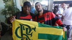 Torcida do Flamengo, aeroporto de Uberlândia (Foto: Diego Alves)