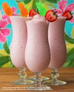 Malibu Rum Drinks, Coconut Rum Drinks, Liquor Drinks, Cocktail Drinks, Cocktail Recipes, Strawberry Pina Colada Recipe, Strawberry Drinks, Pina Colada Recipe Malibu Coconut Rum, Recipes