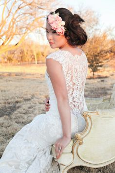 Wear a sweet lace dress for your vintage wedding!