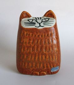 yellow cat Would make a great salt and pepper shaker