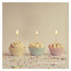 cupcakes, three, pastel colors