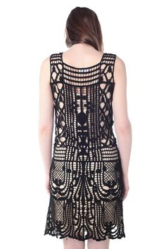Contrast Color Crochet Dress - I love the patterns in the weave.
