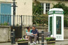 Enniskerry, au coeur des paysages du Wicklow...   #wicklow #ireland #irlande #alainntours   © Tourism Ireland Connemara, Le Village, Beaux Villages, Outdoor Decor, Home Decor, Victorian Architecture, Ireland, Landscapes, Homemade Home Decor