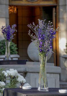 arreglos de flores en azul