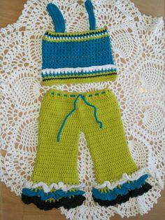 Crochet pants pattern - Girls ruffled pants crochet pattern - bell bottom pants - Baby Crochet Patterns - Crochet Pattern sets - pinned by pin4etsy.com