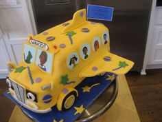 The Magic School Bus Cake