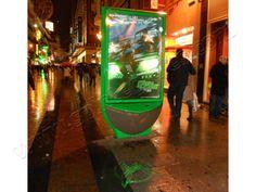 Mobiliario Urbano Espectacular | SP Integrales Proyecciones en la calle para publicidad impactante. Street Marketing