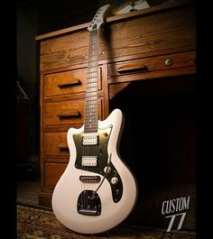 "T-Sonic Deluxe - White Gold Chrome   ""Pour être irremplaçable il faut être différent"" ""In order to be irreplaceable one must always be different.""  Coco Chanel #guitar #design #guitardesign #awards #designawards"