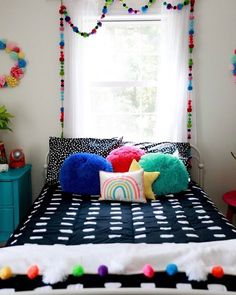 Sometimes all you need is a little splash of color! ❤🧡💛💚💙 📷: @bkbeautyco . . . . #beddys #zipperbedding #zipyourbed #girlbedding #girlbed #beddysbeds #girlyroom #girlsroomdecor #girlsroom #girlsroominspo #girlsroominspiration #girlsroomdecoration #girlsroomstyling #girlystuff #bedding #beddings #homedecor #homedesign #bedroomgoals Floral Bedroom Decor, Boho Decor, Beddys Bedding, Zipper Bedding, Girls Bedroom, Bedroom Ideas, Bedrooms, Make Your Bed, Kid Spaces