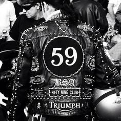 J'ai trouvé ça pour les copains du Nord :) Ace Café by Simon Crubellier wearing a studded leather jacket and note the long hair because know the national serves had stopped they rebelled against the short hair cut.  http://ift.tt/2dE4Hhc