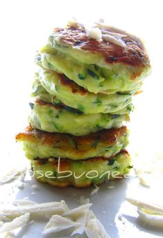 CosebuonediAle: pancakes alle zucchine e ricotta salata