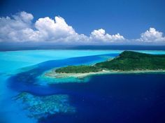Most Beautiful Island on Earth is Bora Bora.Beautiful Bora Bora island pictures where collected, it is predestined for snorkelling and scuba diving in and around its lagoon. Beautiful Photos Of Nature, Beautiful Nature Wallpaper, Nature Photos, Beautiful Places, Beautiful Ocean, Beautiful Scenery, Nature Hd, Amazing Nature, Bora Bora