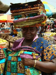 Ghana, West Africa ~ visiting the markets in Ghana was one of the best ways to feel more like a local.  Such amazing activity, stunning fabrics, handmade beads, local produce, and so many friendly faces.  I miss it so much!!