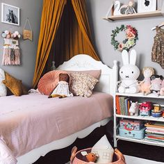 Love love love this eclectic girl's space that will be featured in the upcoming issue of @mintymagazine . Have you preordered your printed annual edition? If not, you should really invest in this mag. It will be jam packed full of gorgeous children's interior inspo and room tours. I have been lucky to photograph 3 (and style 2) of the bedrooms featured. This room belongs to the cutest little diva Peyton and has been styled by her mumma @eliseraquel . Photography by me. Have a lovely evening…