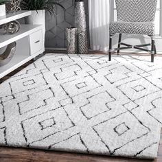 Rugs USA White Snowpeak Double Diamond Lattice Shag Rug: Add a trendy element as well as depth to your room with this geometric patterned contemporary rug. Made of polyester and hand-tufted White Shag Rug, White Area Rug, White Rugs, Contemporary Rugs, Modern Rugs, Modern Decor, Striped Rug, Buy Rugs, Rugs Usa