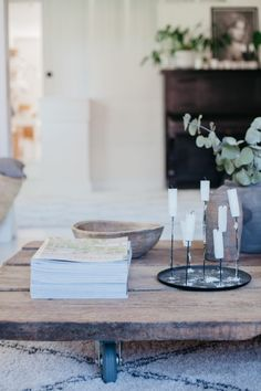 Uusi Kuu Small Moments, Beautiful Homes, Sweet Home, Table Decorations, Interior, Blog, Home Decor, House Of Beauty, Decoration Home