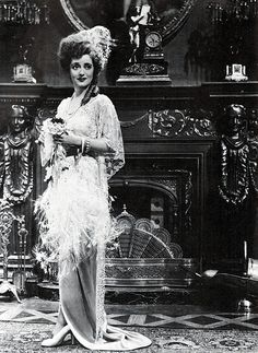 """Bette Davis in """"Mr.Skeffington"""" in 1944 for which she received an Academy Award nomination for her performance. Old Hollywood Movies, Old Hollywood Stars, Hooray For Hollywood, Vintage Hollywood, Classic Hollywood, Hollywood Glamour, Divas, Bette Davis Eyes, Betty Davis"""