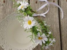 Simira - Čelenka do vlasů Schedir - berenike flowers Wreaths, Home Decor, Homemade Home Decor, Door Wreaths, Deco Mesh Wreaths, Garlands, Floral Arrangements, Decoration Home, Floral Wreath