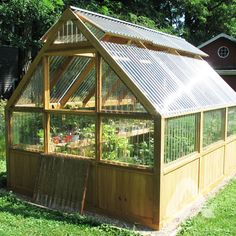 DIY Corrugated Polycarbonate Hobby Greenhouse