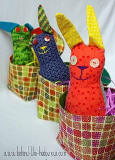 3 bunnies in basket inside WM Bunny, Easter, Sewing, Rabbits, Carrots, Inspiration, Biblical Inspiration, Cute Bunny, Dressmaking