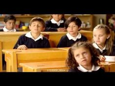 great website for Spanish class - using commercials to teach grammar, like reflexive verbs with coordinating activities