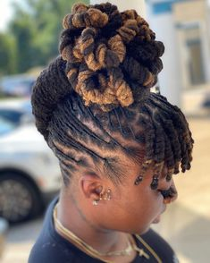 Short Locs Hairstyles, Short Dreads, Cool Hairstyles, African Hairstyles, Black Hairstyles, Wedding Hairstyles, Dyed Dreads, Dreads Girl, Bun Updo