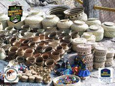 BARRANCAS DEL COBRE te dice dentro de la región de las barrancas existen algunos lugares más que puedes visitar. Visita las comunidades tarahumaras y adquiere sus bonitas artesanías. Al comprar sus bellos canastos de hoja de pino, vasijas u ollas de barro, se esta llevando un pedacito de ellos, pero además esta colaborando con su economía. www.chihuahua.gob.mx/turismoweb