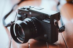 Rico Pfirstinger erklärt Ihnen, welche Einstellungen Sie bei der neuen Fuji X-Pro2 vornehmen können, um von Anfang an gute Fotos zu schießen.