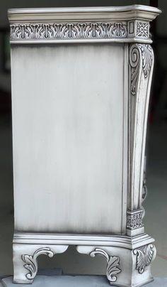 12 drawer dresser and mirror Buffett bedroom image 5 12 Drawer Dresser, Dresser Desk, Faux Painting, Diy Painting, Hand Painted Dressers, Bedroom Images, Mirror Set, Annie Sloan Chalk Paint, Black Accents