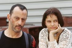 """Post with 5867 votes and 997270 views. 20 photos from the making of """"Léon: The Professional"""" featuring Jean Reno, Natalie Portman, Gary Oldman, and writer/director Luc Besson Jean Reno Natalie Portman, Natalie Portman Young, Mathilda Lando, Luc Besson, Movie Shots, Gary Oldman, Club Kids, Christopher Nolan, Child Actors"""